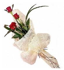 3 adet kırmızı gül buketi  Sinop çiçek yolla