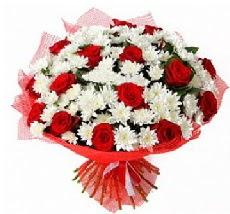 11 adet kırmızı gül ve 1 demet krizantem  Sinop İnternetten çiçek siparişi