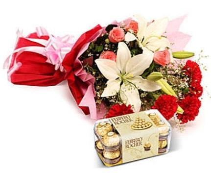 Karışık buket ve kutu çikolata  Sinop çiçekçiler