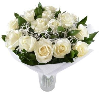 15 beyaz gül buketi sade aşk  Sinop internetten çiçek satışı